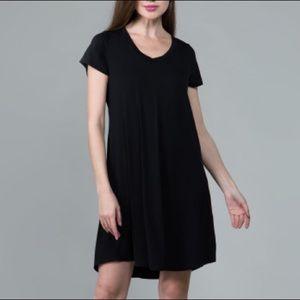 Dresses & Skirts - Black t-shirt dress